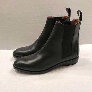 Everlane Modern Chelsea Boot - Black
